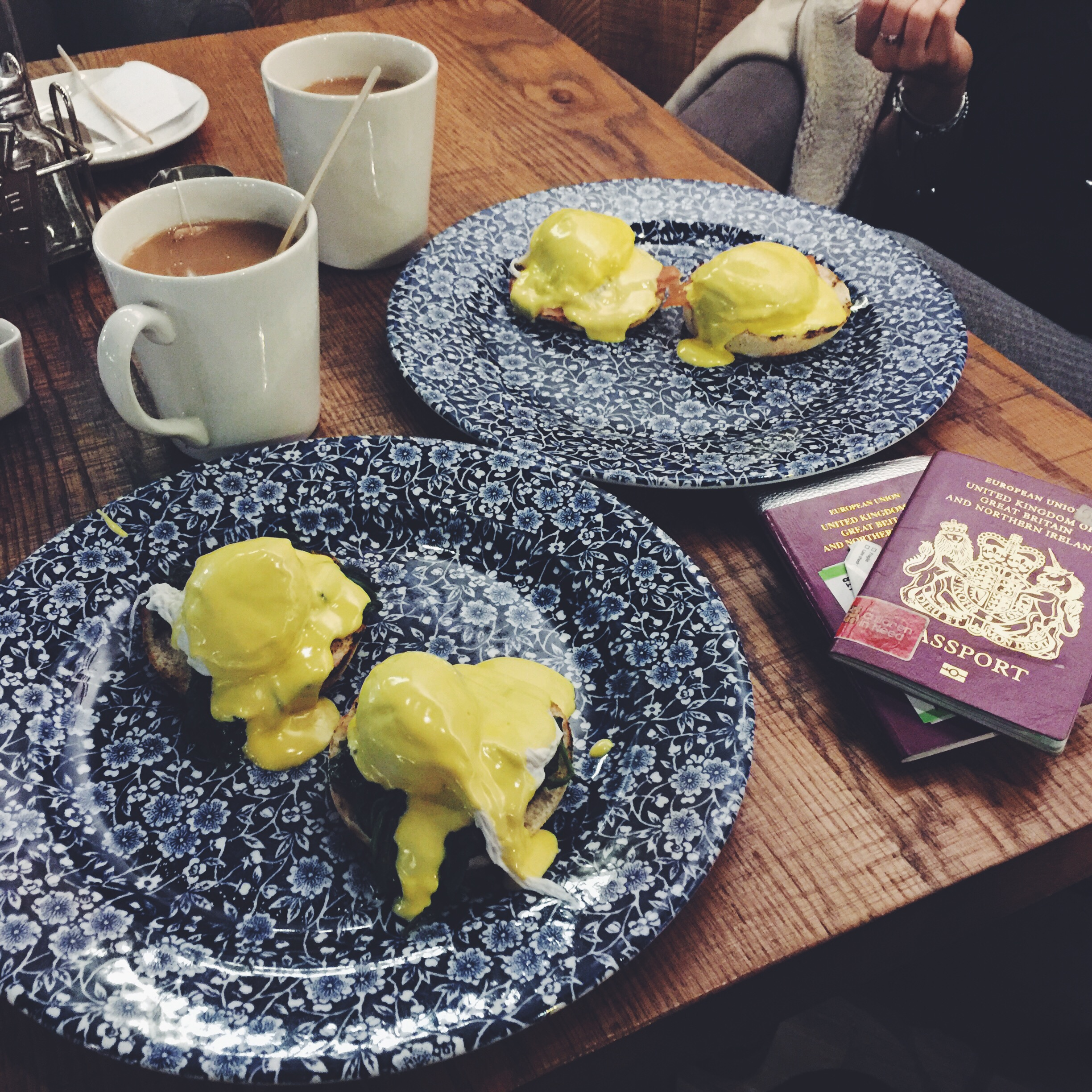 eggs royale, manchester airport